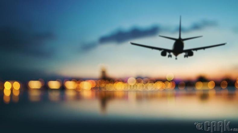 Онгоцоор гадагшаа нисэх