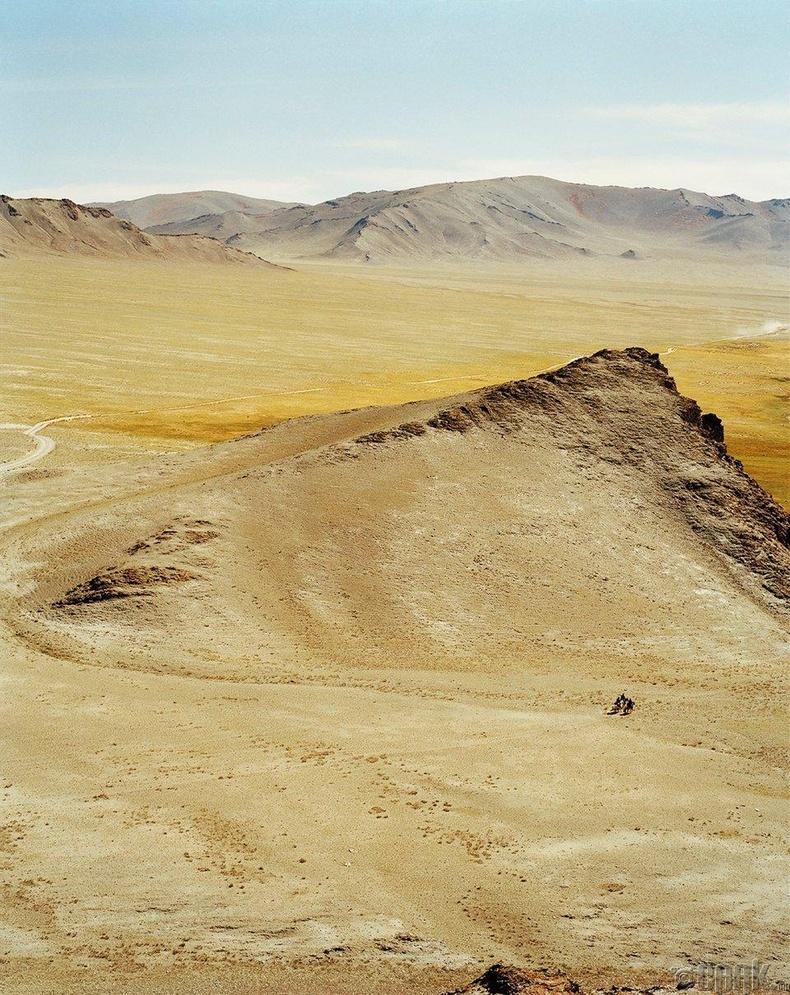 Олон жилийн турш Монголд ирж буцахдаа Лагранж олон хүнтэй нөхөрлөжээ