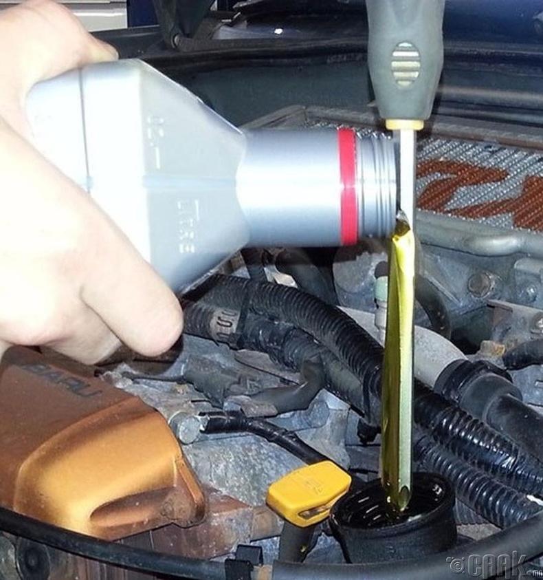 Юүлүүр байхгүй үед машиныхаа тосыг солих