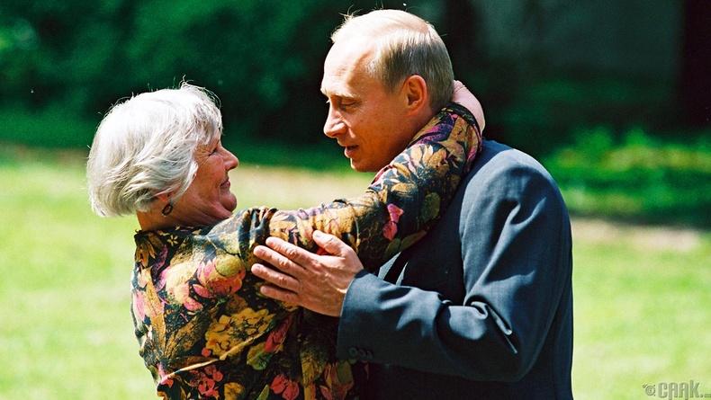 Ангийн багш Вера Гуревичтай, 2002 оны 6 сарын 10