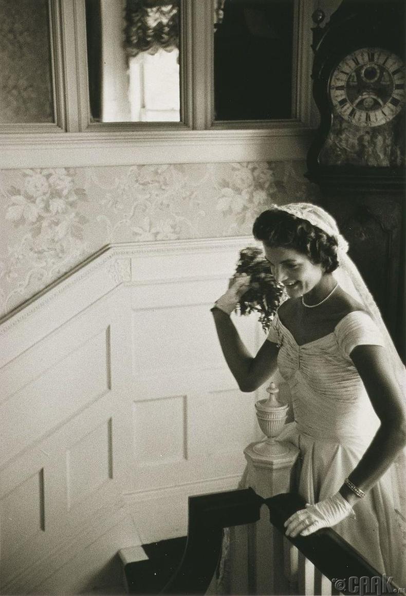 АНУ-ын тэргүүн хатагтай асан Жаклин Кенниди - 1953 он