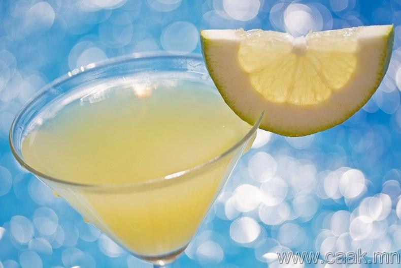 Коктейлийн зүссэн лемон