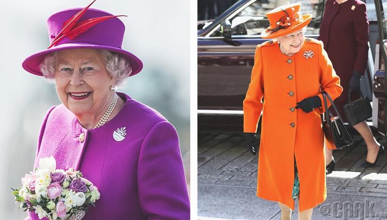 Хатан хаан зүгээр ч нэг тод өнгийн хувцас өмсдөггүй