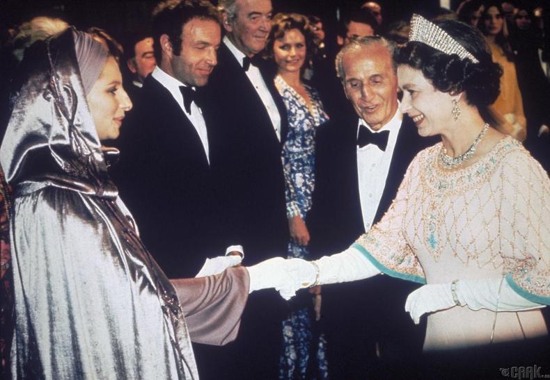 Барбра Стрейсанд (Barbra Streisand), 1975 он