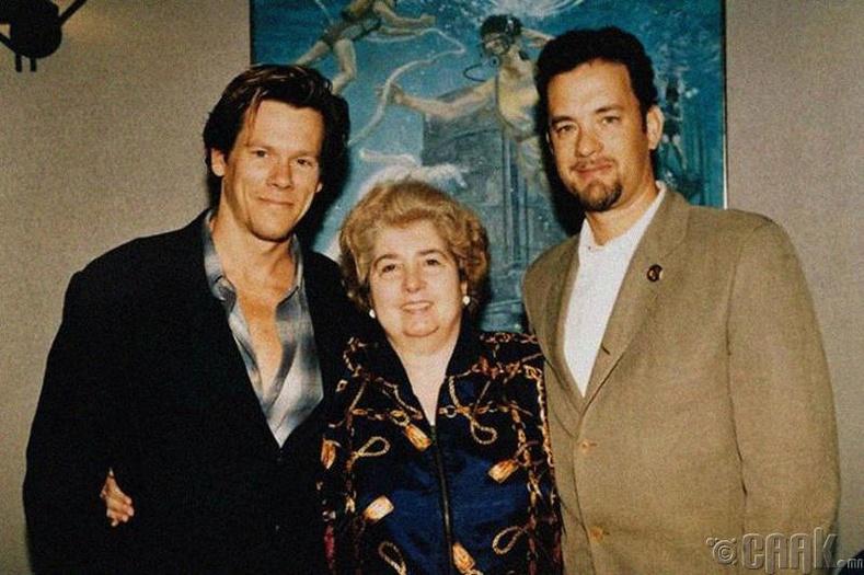 Кевин Бейкон болон Том Хэнкс (Kevin Bacon and Tom Hanks)