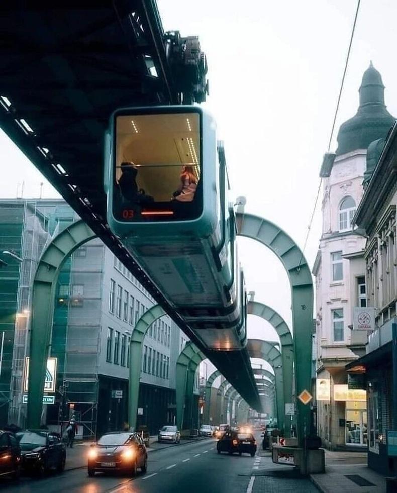 Wuppertaler агаарын метро, Герман