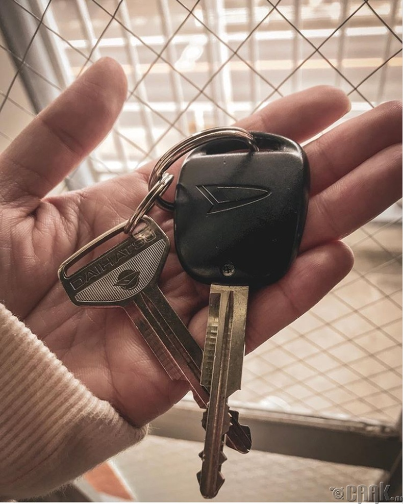 Машиндаа илүү түлхүүр битгий үлдээ