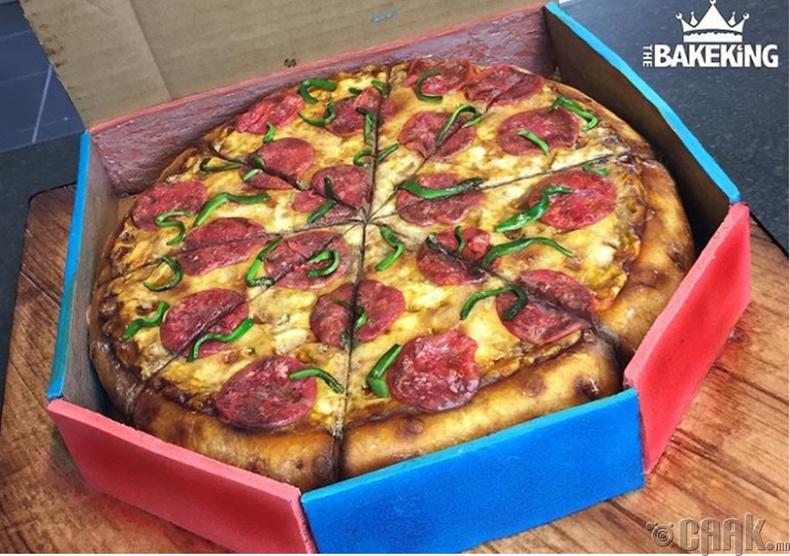 Энэ пицца юу, бялуу юу?