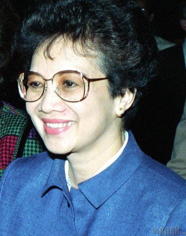 Корасон Акино (Corazon Aquino)