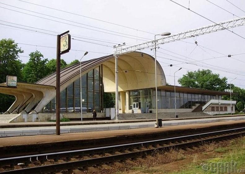Галт тэрэгний буудал, Юрмала, Латви
