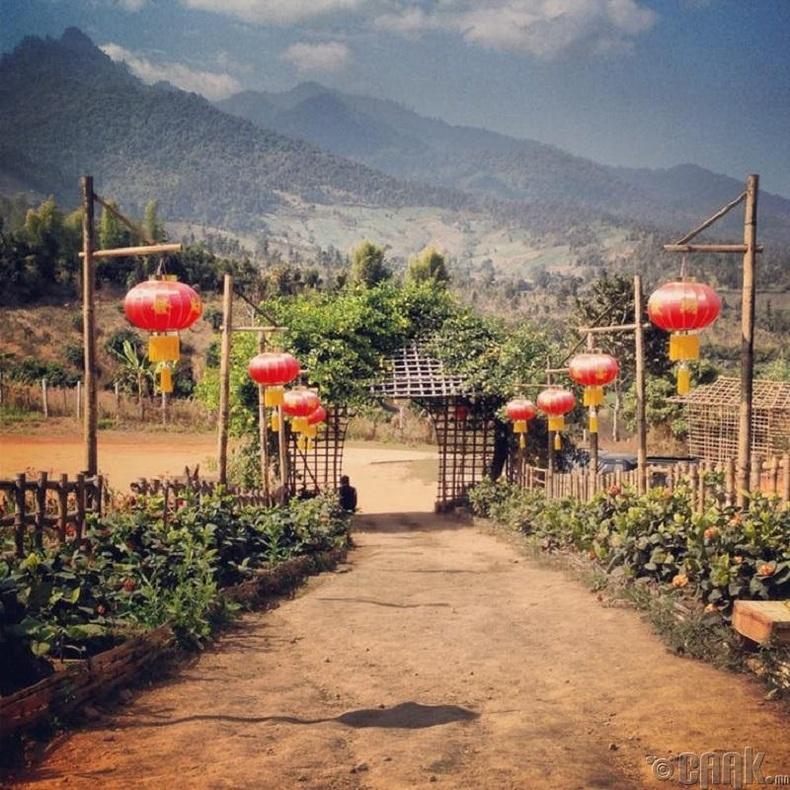 Тосгонд аялах
