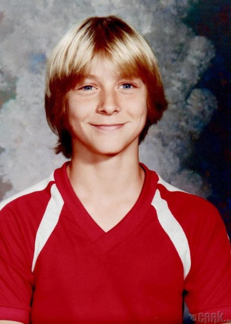 Нэрт дуучин Курт Кобайн (Kurt Cobain)-ы сургуулийн зураг, 1981 он