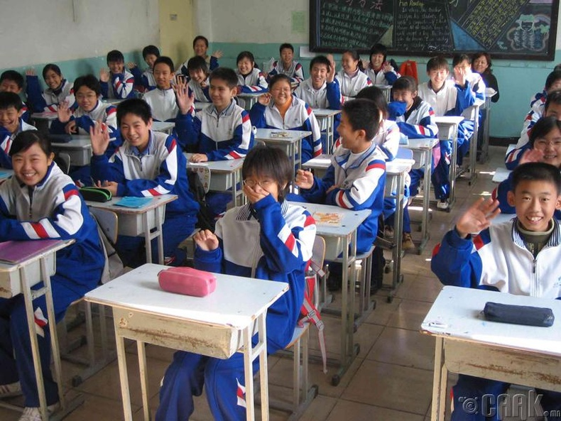 Хятадад сургуулиудад гимнастик, нүүрний массаж ордог