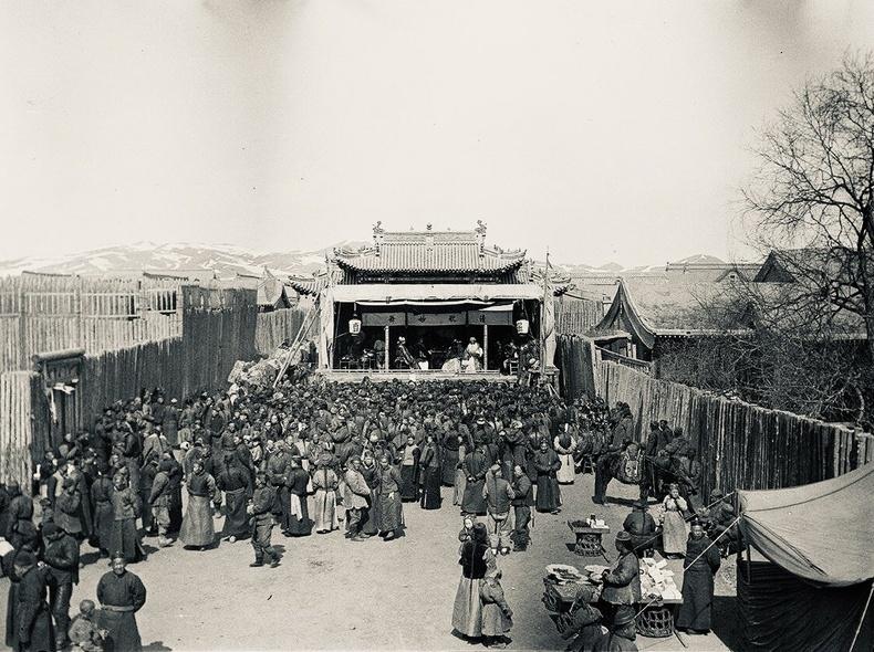 Гудамжны задгай театр - Их Хүрээ, Маймаачин хот,1912 он