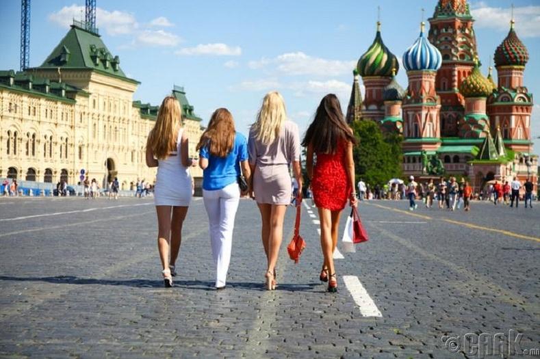 Орос бүсгүйчүүд хамгийн үзэсгэлэнтэй нь