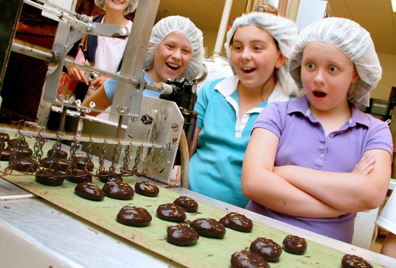 Английн шоколадны үйлдвэрээр зочилцгооё