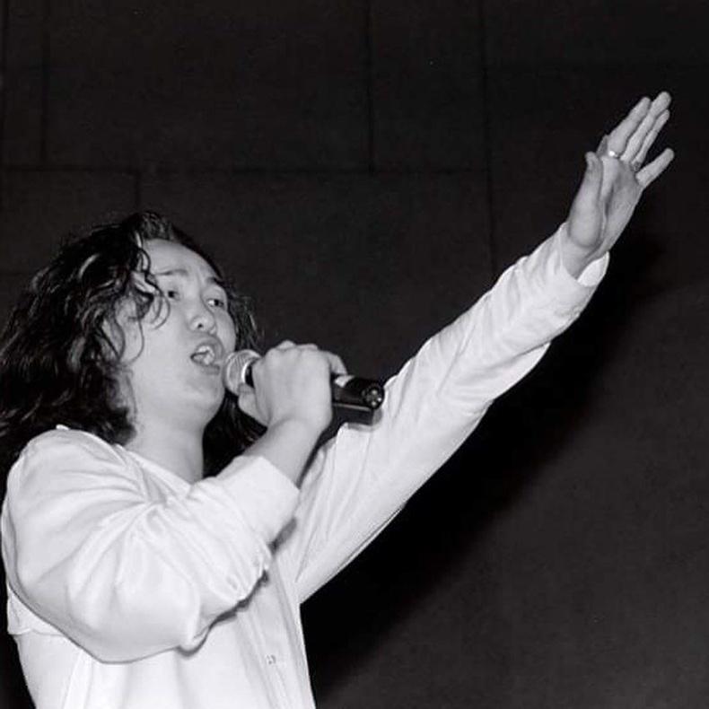 """""""Никитон"""" хамтлагийн дуучин Б.Батчулуун (1997)"""