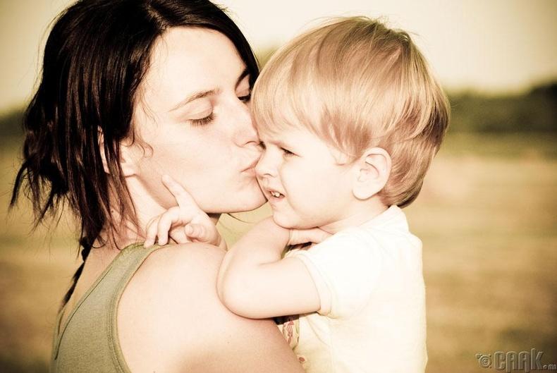 Хүүхэдтэйгээ ойр дотно холбоотой бай