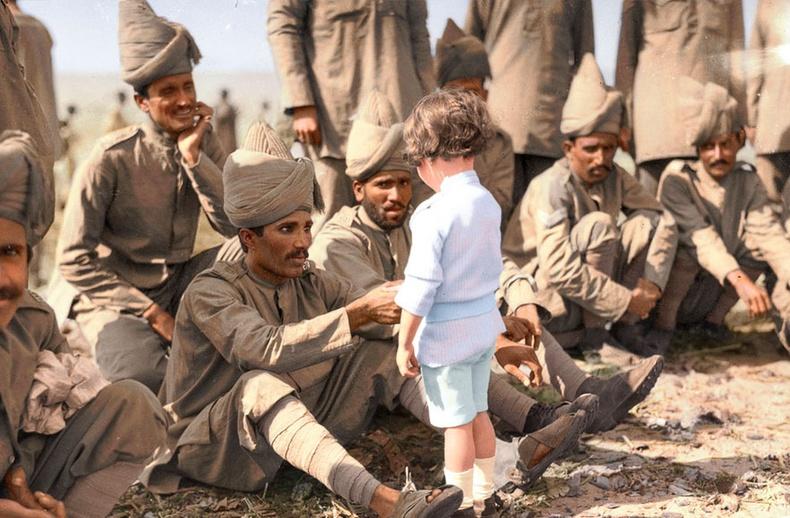 Франц хүү энэтхэг цэргүүдтэй уулзсан нь