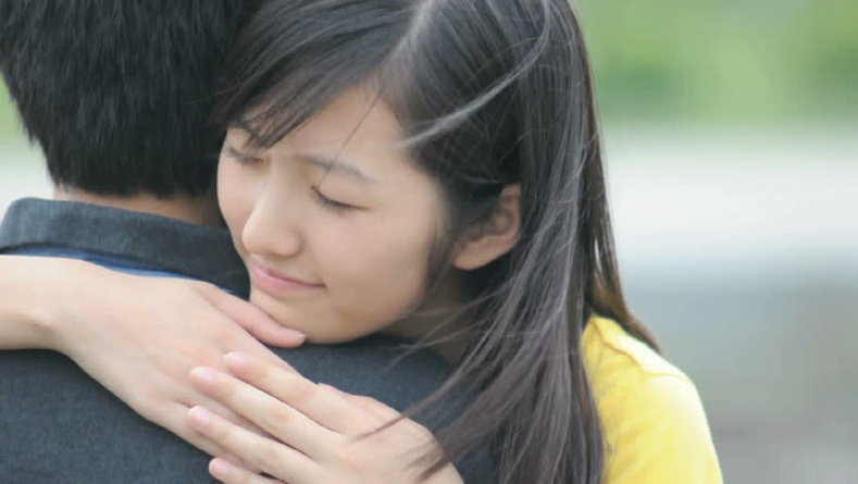 Та хайртай хүнээ хэрхэн тэвэрдэг вэ? /Сонжоо/