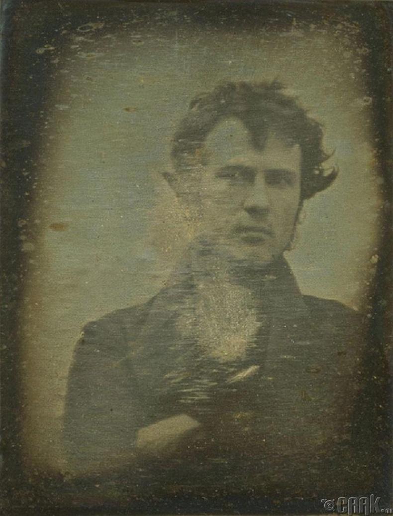 Анхны селфи зураг - 1839