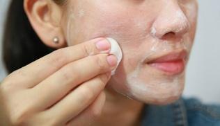 Хаврын улиралд гарын доорх материалаар арьсаа чийгшүүлэх 9 арга