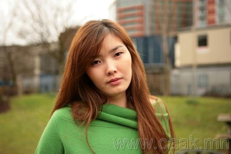 Монголын vзэсгэлэнт охид (80 Фото)