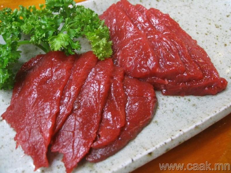 Япончууд адууны түүхий махыг иддэг