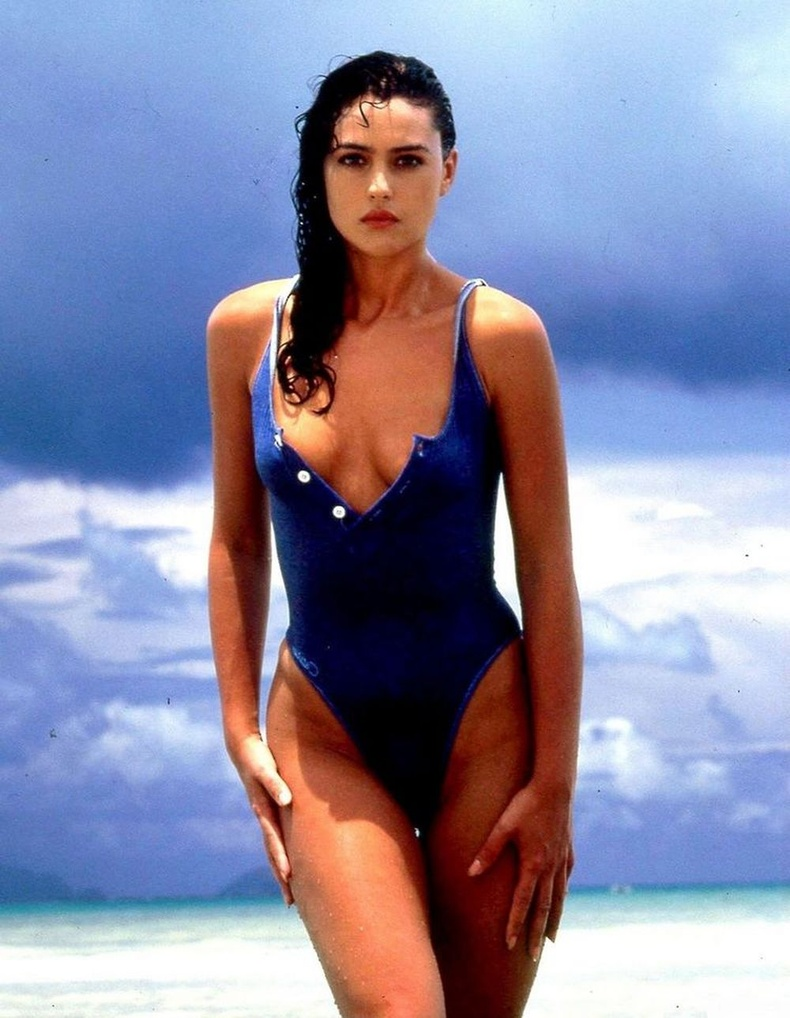 Моника Беллучи (Monica Bellucci)16 насандаа