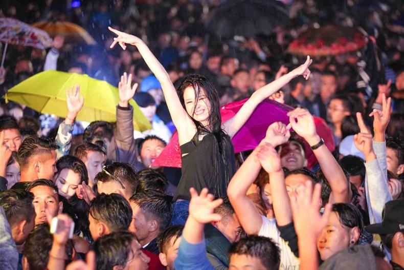 """""""SUNRISE 2014"""" парти амжилттай болж өнгөрлөө"""
