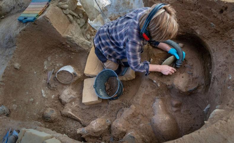 Түүхийг өөр өнцгөөс харах боломжийг олгосон археологийн 10 олдвор