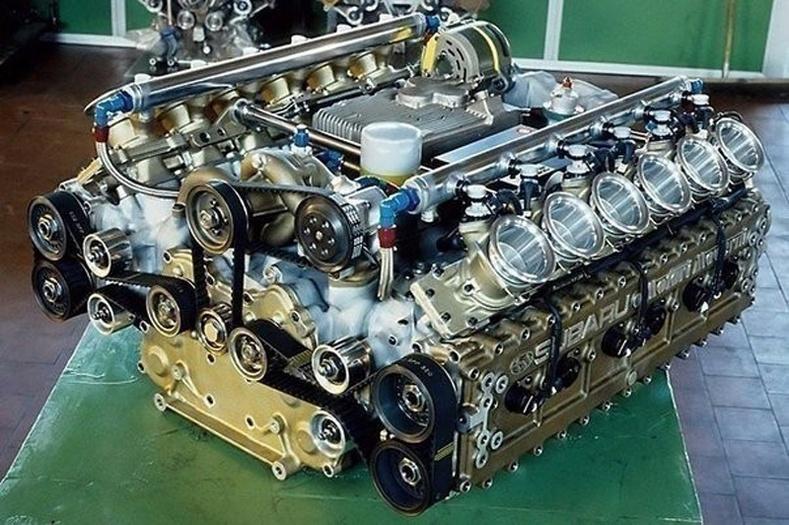 """""""Формула 1""""-т уралддаг машины хөдөлгүүр"""