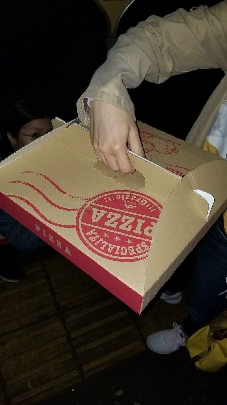 Пиццаны хэлбэр алдагдахаас сэргийлсэн хайрцаг