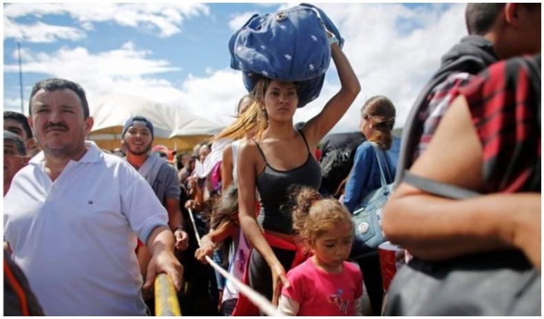 Венесуэлчүүд эх орноосоо зугтаж эхэллээ
