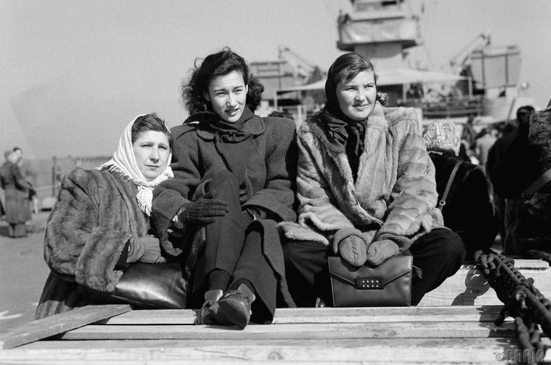 Гадаад иргэдийг Чиндаогоос Шанхай руу нүүлгэн шилжүүлэв, 1949 оны 2-р сарын 21.