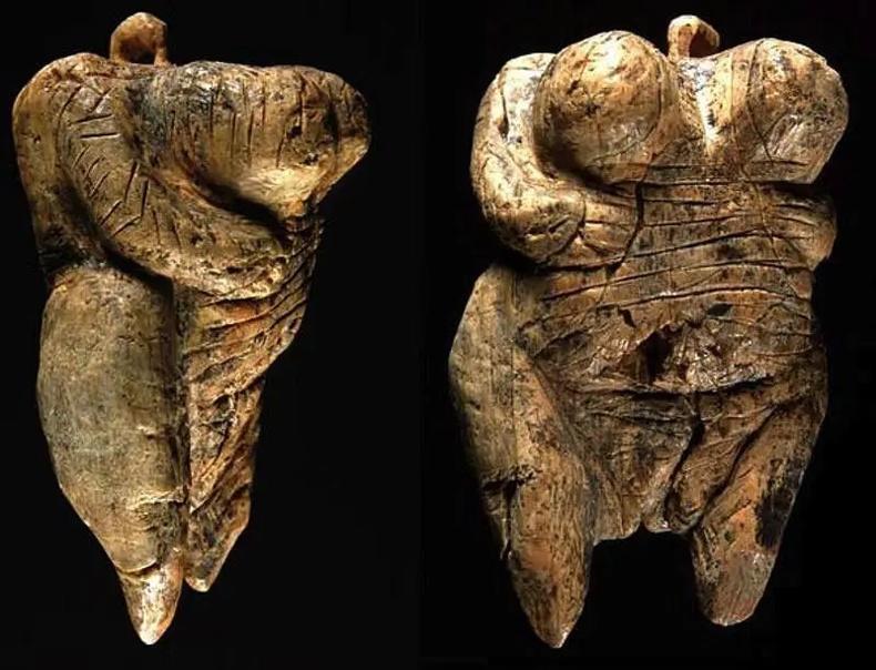 Хамгийн эртний хүний биеийн баримал (40,000 жилийн настай)