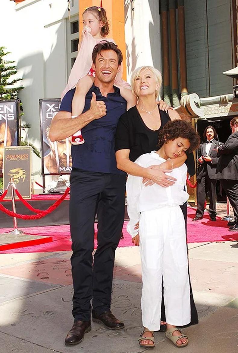 Хүү Оскар, охин Ава (Oscar, Ava) - нас 21 ба 16