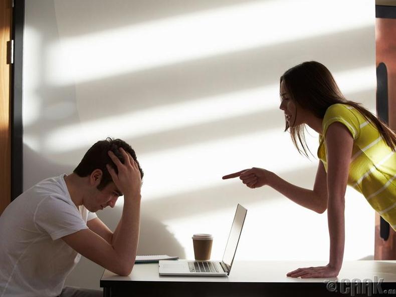 """""""Тэр бүсгүй намайг өөрөө эхэлж өдсөн. Би хүсээгүй шүү дээ..."""""""