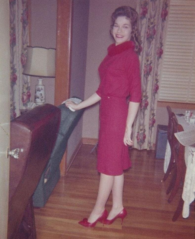 """""""16 настай ээж маань аавтай хамт анхны болзоондоо явах гэж байгаа нь, 1961 он"""""""