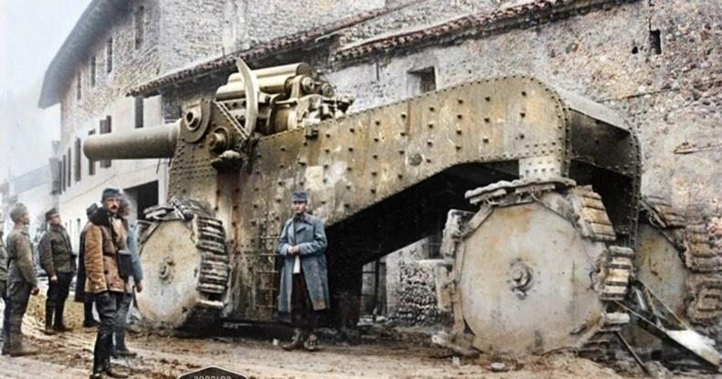 Италийн танкийг Австри цэргүүд олзлоод байгаа нь - 1917 он