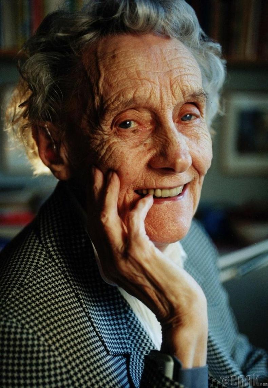 Астрид Линдгрен (Astrid Lindgren)