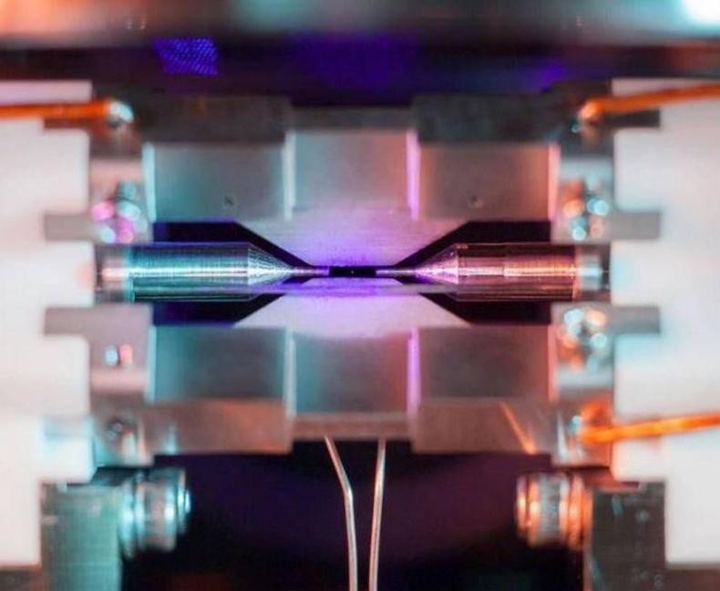 Атомыг ганц ширхгийг харуулсан анхны зураг