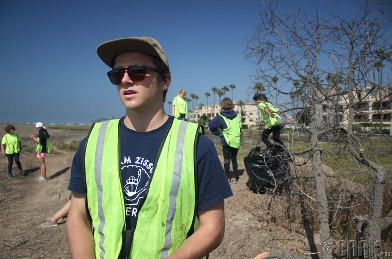 Хуванцар хог хаягдлын эсрэг тэмцэгч хүү