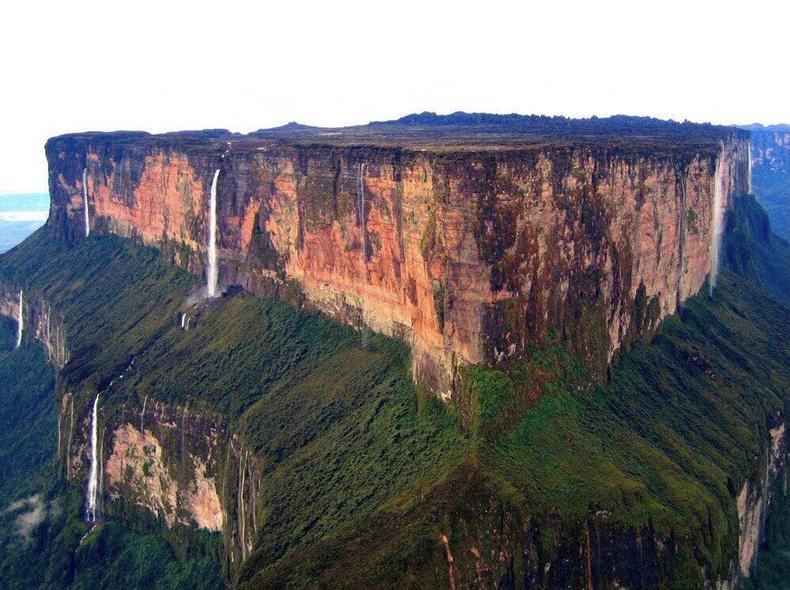 Венесуэльд байдаг Рорайма уул