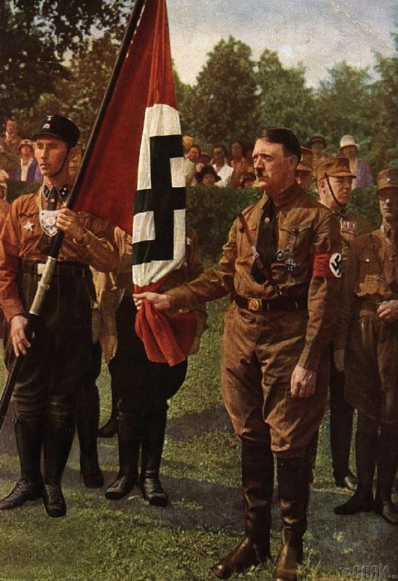"""""""Нацистуудын туг """""""