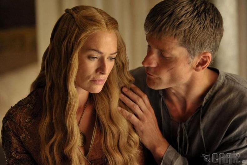 """Бодит амьдрал дээрх """"Game of Thrones""""-ийн эгч дүүсийн харилцаа"""