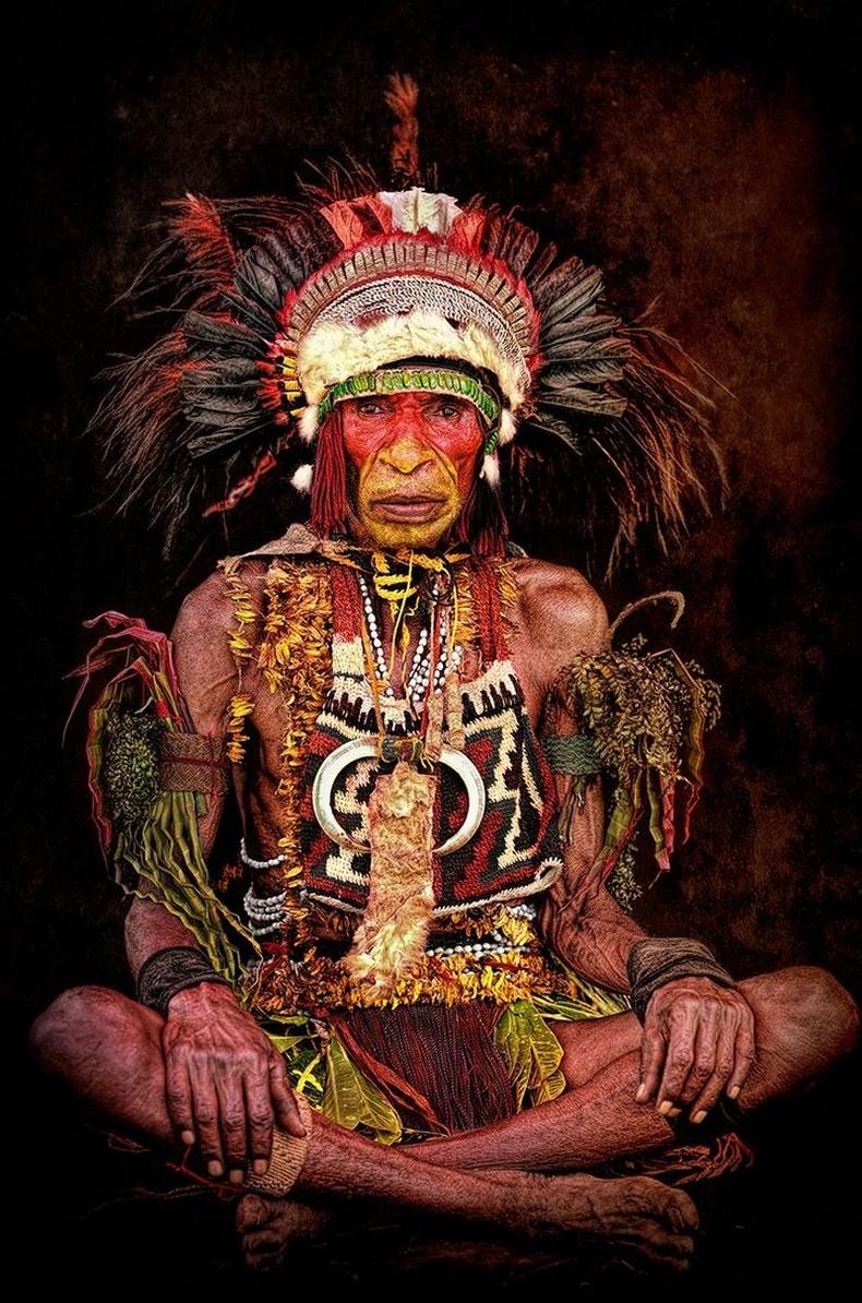 Омгийн ахлагч, Шинэ Гвинейн зүүн бүс
