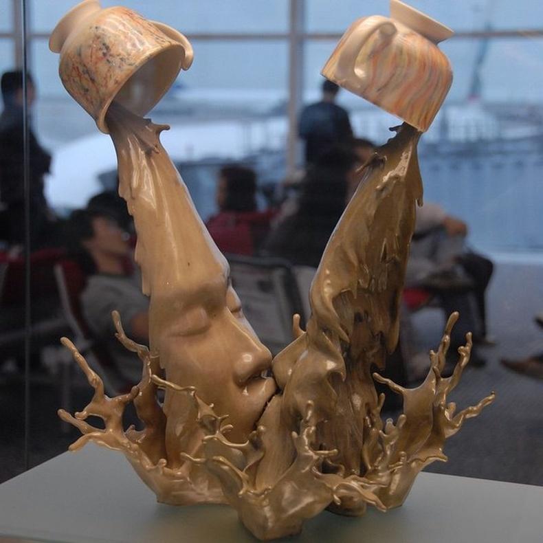 Хонконгийн алдарт уран бүтээлч Жонсон Цангийн мэдрэмж, сэтгэл хөдлөлийг харуулах бүтээлүүд
