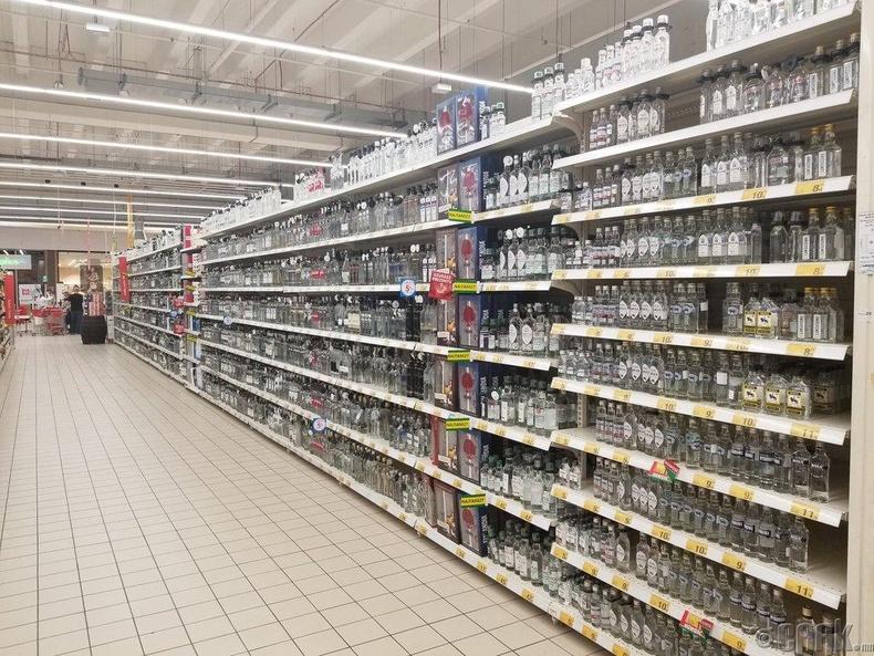 Польшийн нэгэн супермаркет дахь архины хэсэг