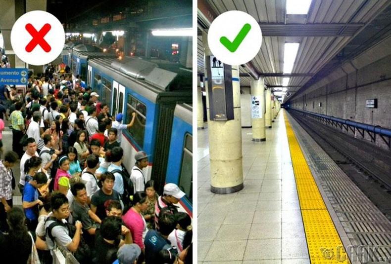 Токиогийн метро үргэлж пиг дүүрэн явдаггүй